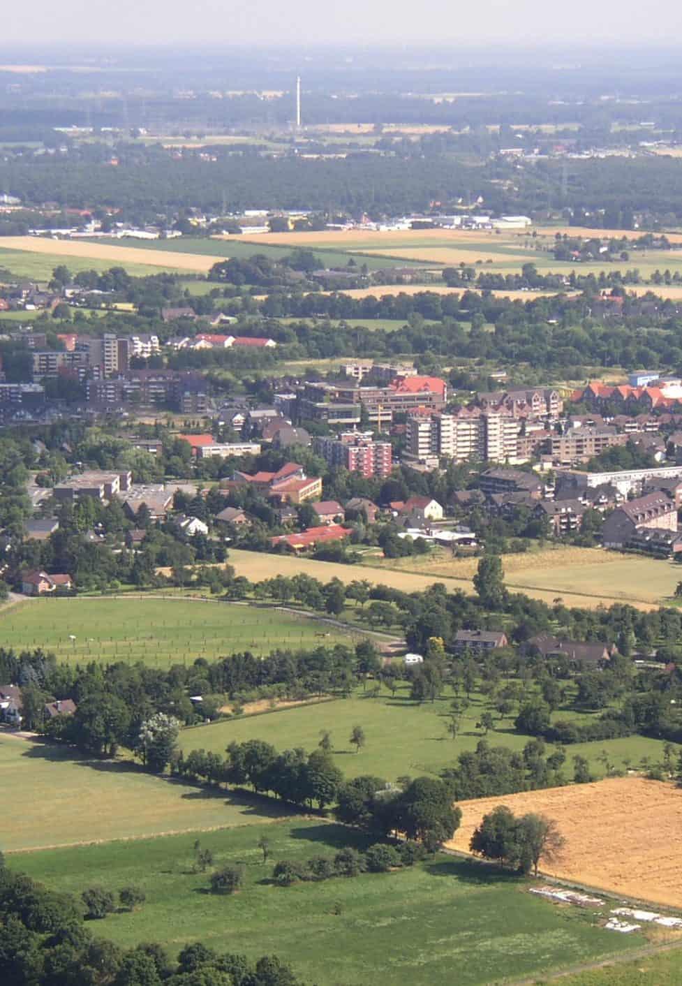 Das Bild zeigt eine Luftansicht der Stadt Voerde