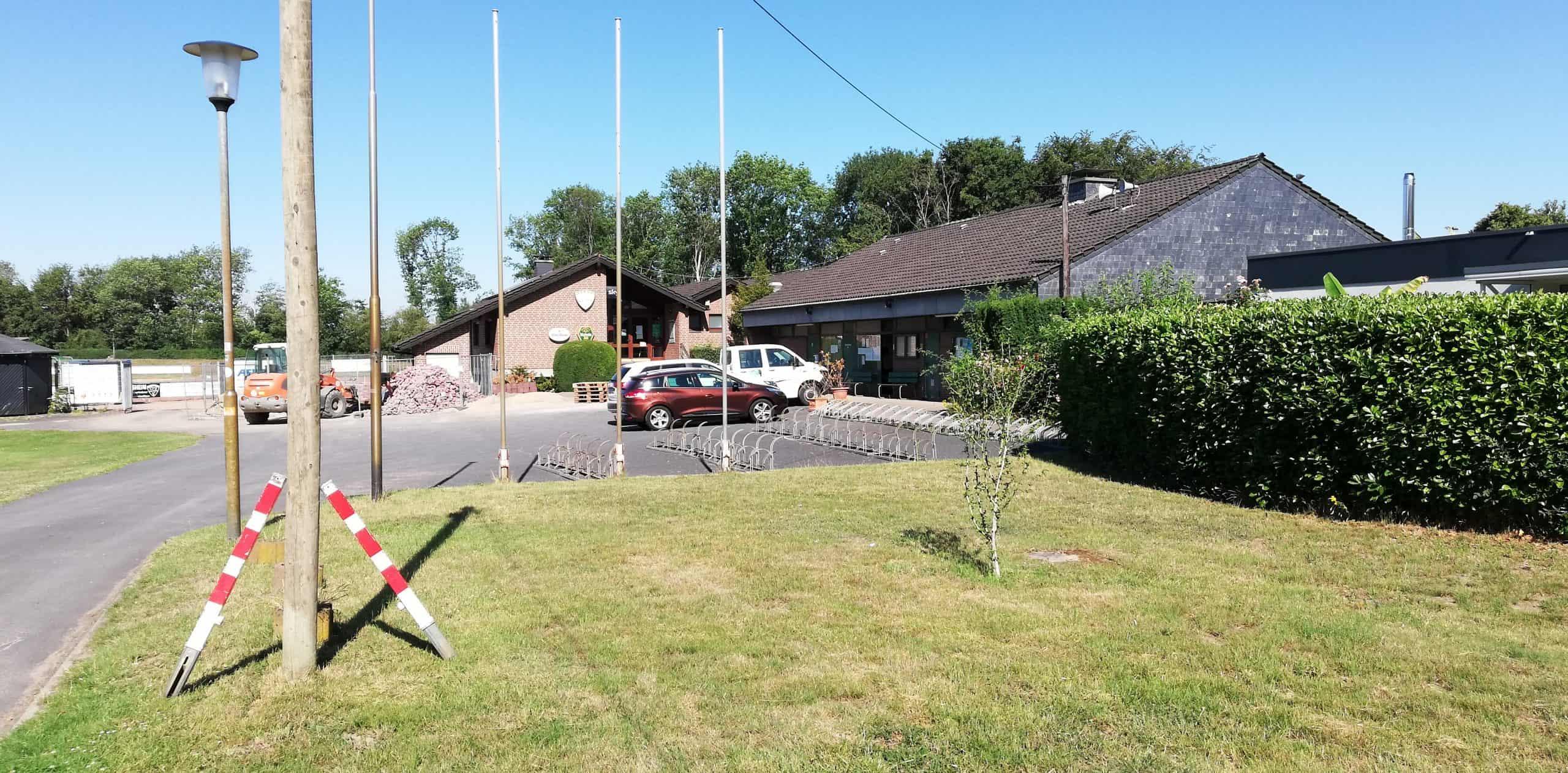 Das Bild zeigt das Vereinsheim des Sportzentrums Voerde
