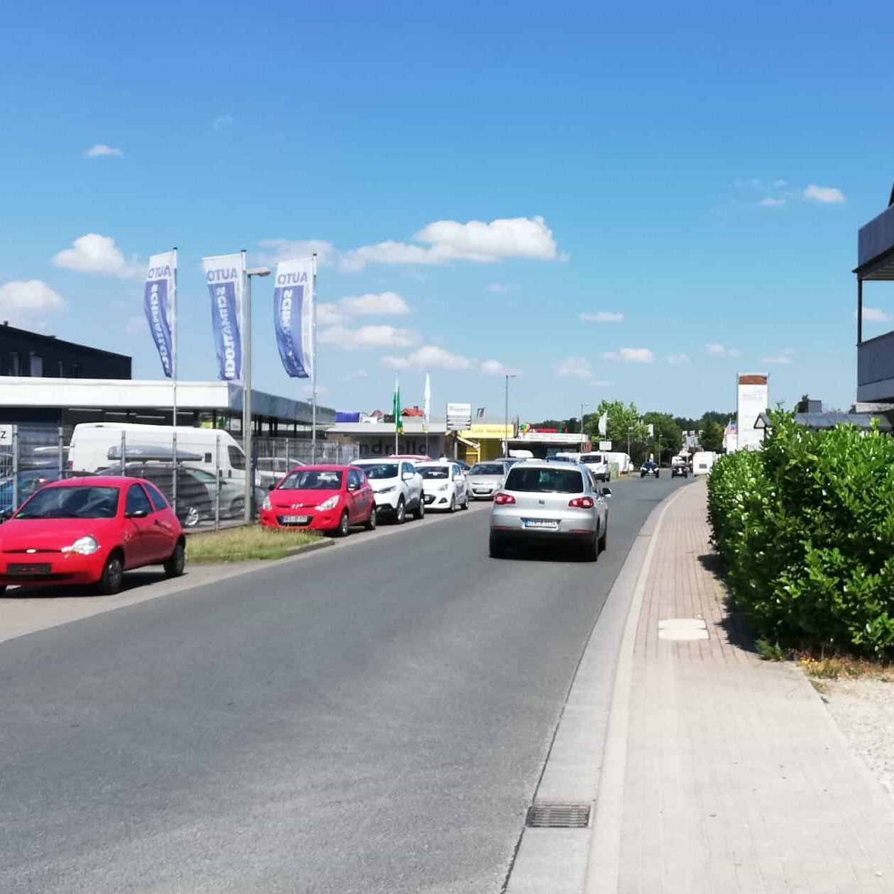 Das Bild zeigt das Gewerbegebiet Grenzstraße in Voerde-Holthausen