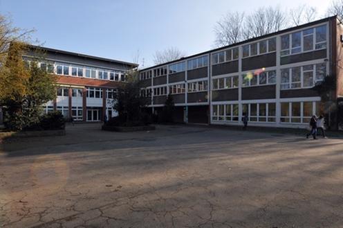 Das Bild zeigt die Janusz-Korczak-Schule in Voerde-Möllen